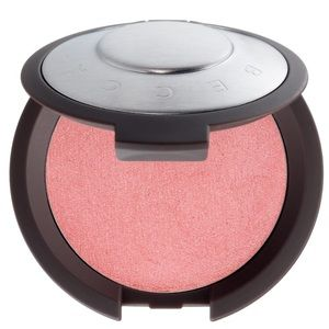 BECCA Makeup - BECCA's Shimmering Luminous Blush in Camellia